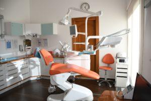 オーストラリアで歯科治療【任意保険なし】根幹治療にかかった費用