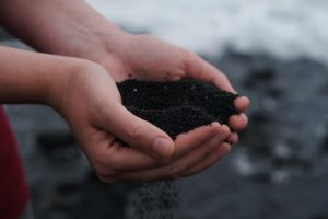生ゴミの活用法【ミミズコンポスト】で簡単に肥料が作れるよ